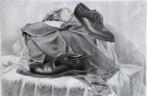 石膏几何素描与皮鞋静物