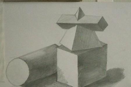 素描作业点评:组合石膏几何体素描画的怎么样?