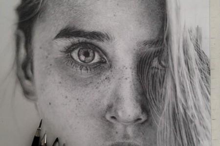 莫妮卡·李的照片般的超现实主义铅笔素描
