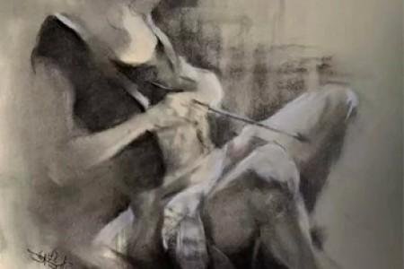 炭笔绘画展示娴熟的素描技巧:朦胧的美女