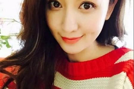 长发红色毛衣美容头水溶性彩铅画