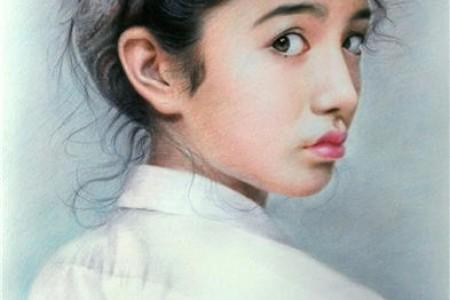 手绘彩铅:一个五官精致的女孩