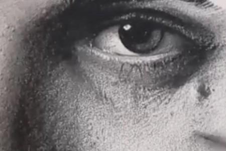 超写实人物素描部分画视频,原来的毛孔是这样画的!