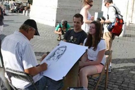 街头素描师既熟练又便宜。为什么人不多?