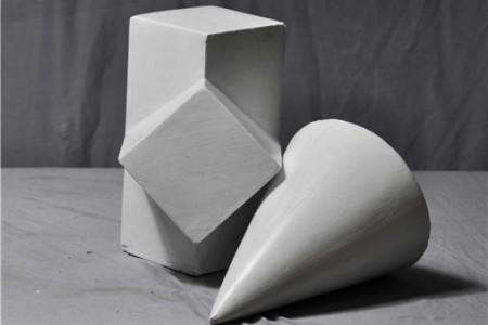长方体互穿体锥组合石膏几何体的超高清照片